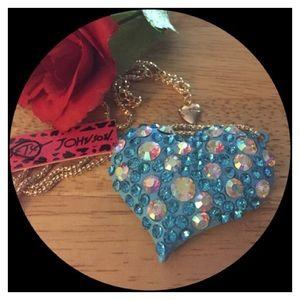 🆕🍒Beautiful Blue crystal heart pendant